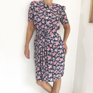 Vintage Dresses - Vintage Floral Day Dress Ruched Waist